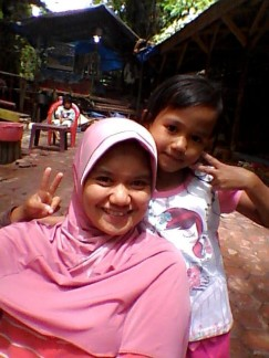 Mama dan kk Caca